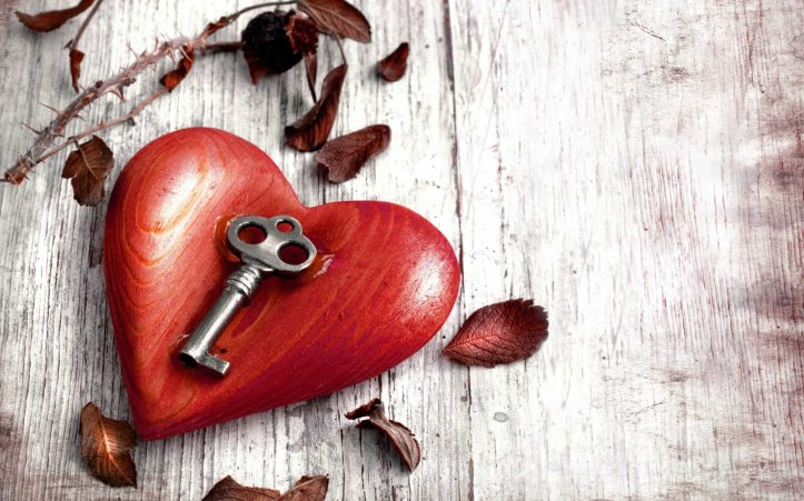 beautiful-heart-with-key.jpg